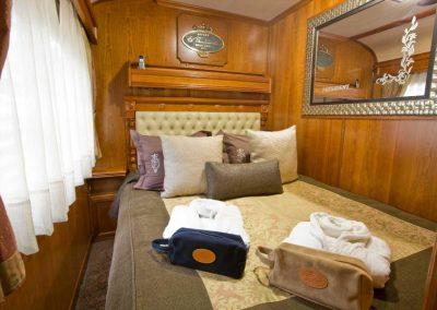 Deluxe Suite Bed